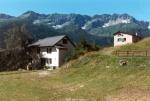links: altes Haus - rechts: neues Haus (1)